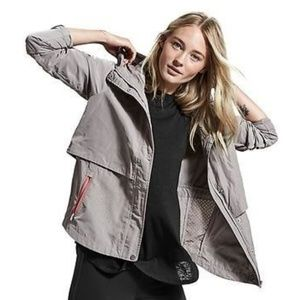 Athleta Aerate Jacket in Gray